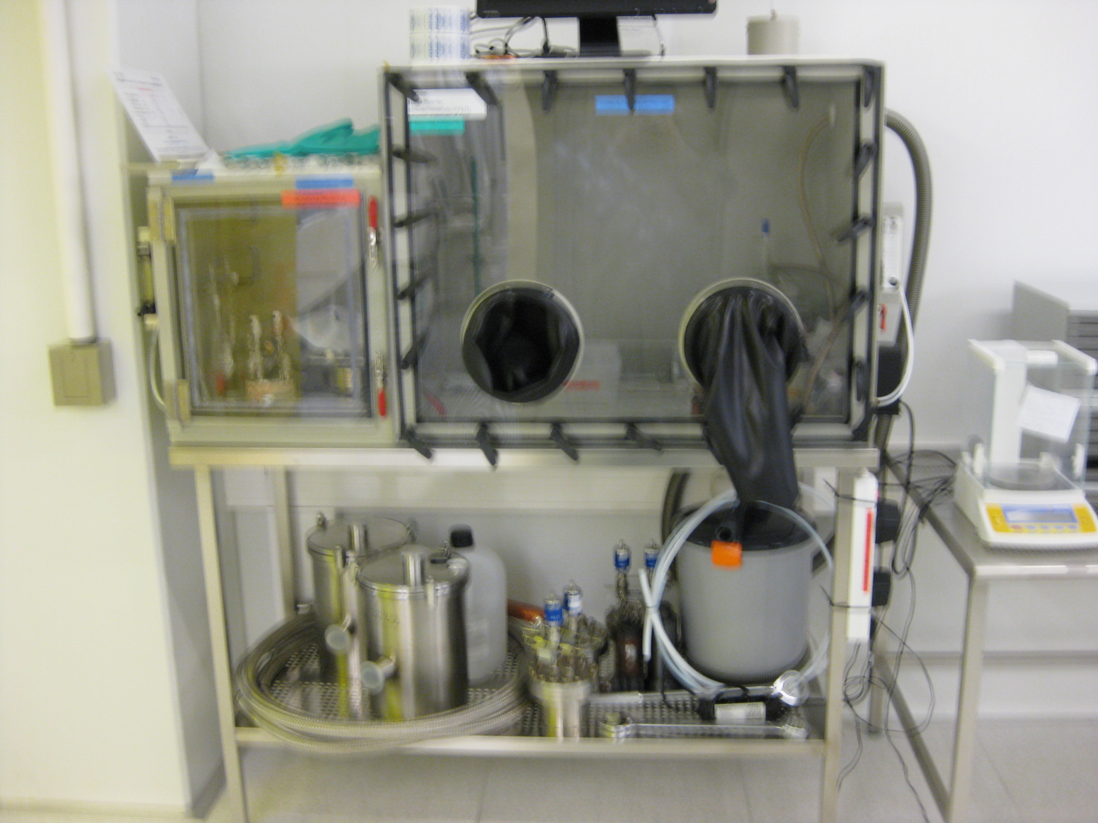 Picture of Glove Box for powder materials of ALD